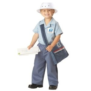 👻💙👆 Postman Costume size L (4 -6 ) in Toddlers